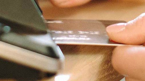 using credit card chip to make purchases